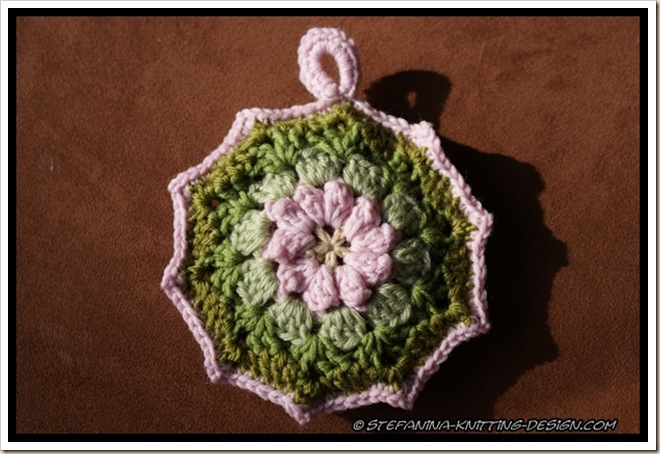 Granny floral round - cèdre wood (2)