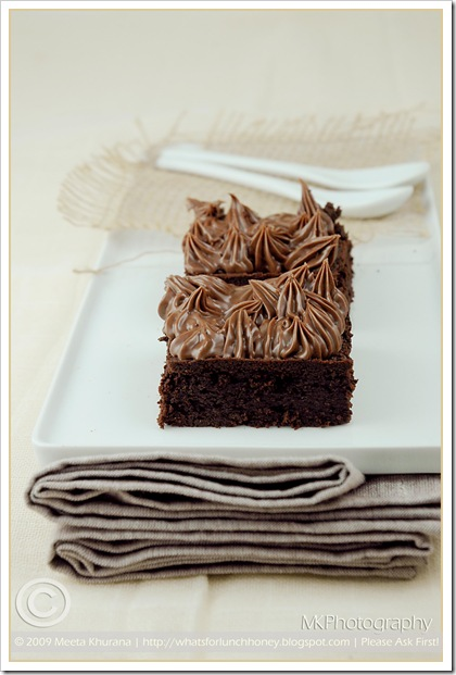 Flourless Choc Cake (01) by MeetaK