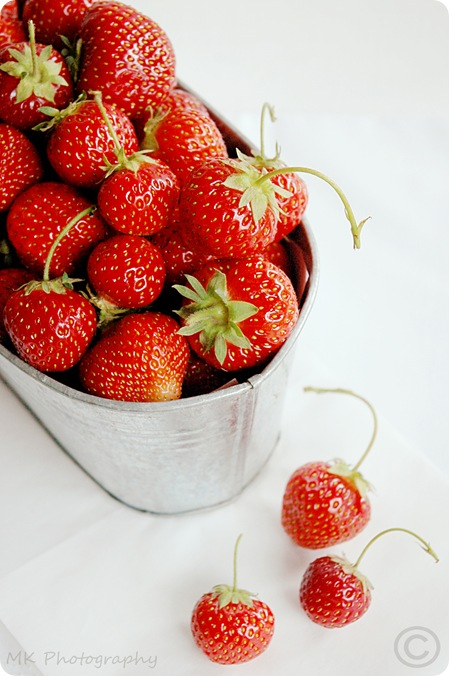 Strawberries (03) by MeetaK