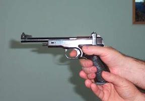 großkaliber pistole schießen