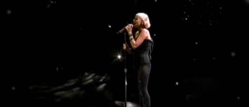 Christina's live performance of 'You lost me' at the American idol 2010 finale