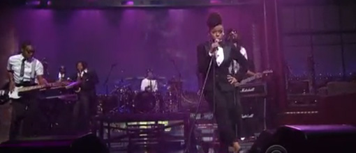 Janelle Monáe shuts it down on Letterman | Live performance