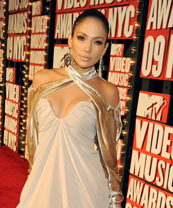 Jennifer Lopez on the red carpet at the VMA's [image courtesy of Getty images and MTV]