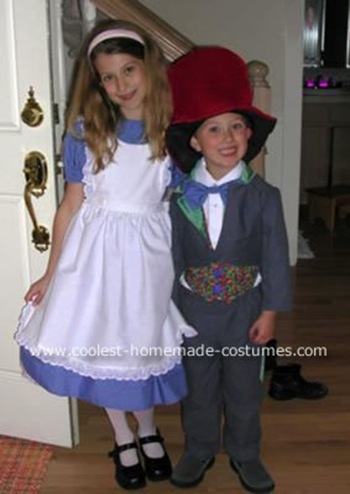 coolest-alice-and-the-mad-hatter-costumes-5-32404