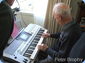 Our host, Peter Brophy, showing-off his Yamaha PSR-910