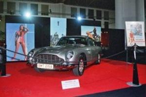 4 Aston Martin DB5 (1965)