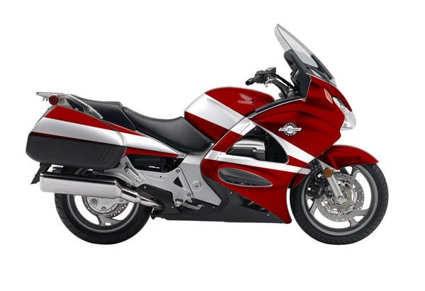 Honda ST 1300 Sport Red