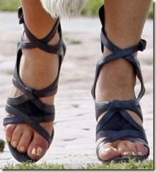 open-toe-sandals-lady-gaga