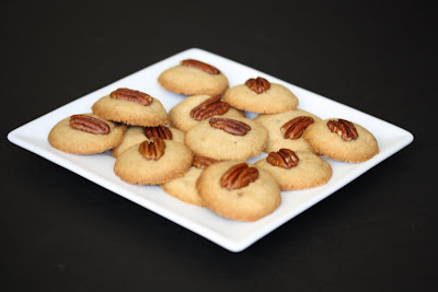 photo of pecan praline cookies on a plate