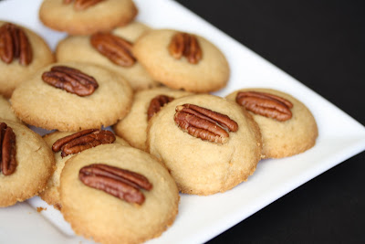 close-up photo of cookies on a plate