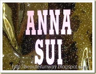 Anna Sui Lunch Tote Close up