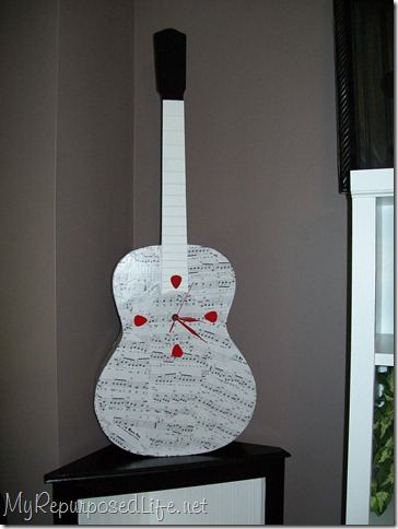 guitar repurposed clock