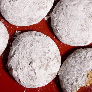 Pfeffernüsse (German Spice Cookies).