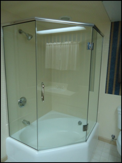 Tub with surround