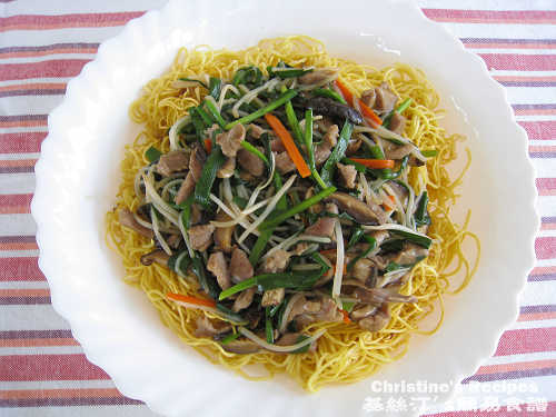 肉絲炒麵Cantonese Fried Noodles with Shredded Pork