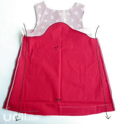 طريقة خياطة فستان طفله 4538827828.jpg