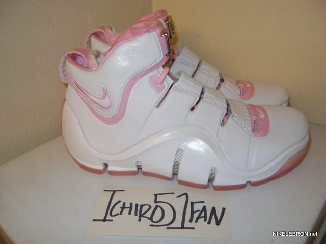 Throwback Thursday White Pink Zoom LeBron IV aka 8220Gloria8221 PE ... 6cb41942b