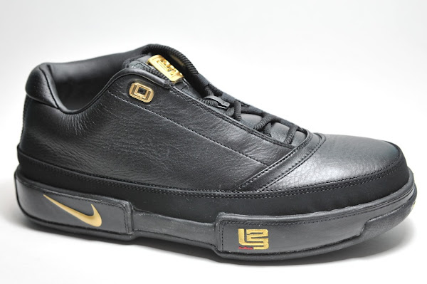 casual shoes dirt cheap fashion styles Black-Gold and White-Navy Zoom LeBron Low ST Detailed Pics | NIKE ...