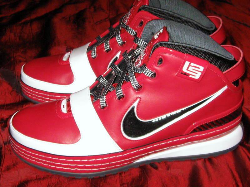 buy online 12174 a906a ZLVI King James Shooting Stars Player Exclusive New Pics   NIKE LEBRON - LeBron  James Shoes