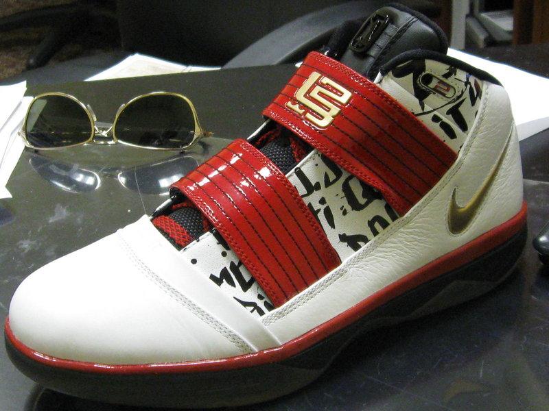 300c4b3468e ... LeBron James8217 Nike Zoom Soldier 3 NBA Finals Edition ...