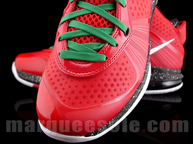cheaper 42d0b db4aa Nike LeBron 8 V2 Christmas Special Make Up 8211 New Photographs ...