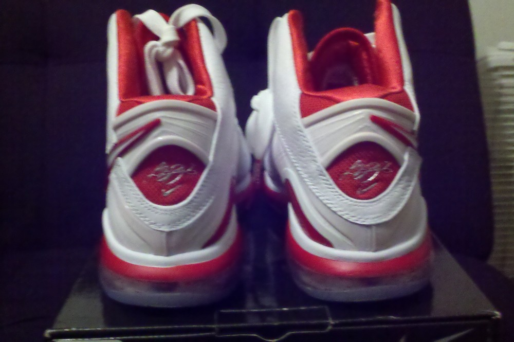 detailed look 1b9cb d8b5b Closer Look at Nike Air Max LeBron 8 China Colorway US Version ...