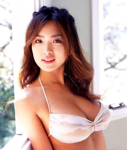 日本 15 位最胸猛美女排行