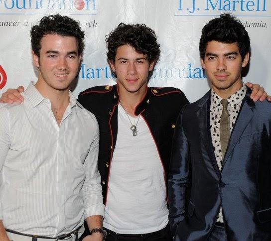 Blog de la tele jonas brothers dia de la familia hotties - Jonas brothers blogspot ...