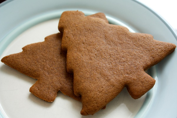 Soft and Chew Gingerbread Cookies