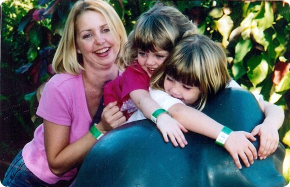 Mom, Linds, Lauren naples Zoo