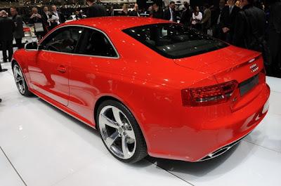2011 Audi RS5-04.jpg