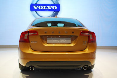 Volvo S60-04.jpg