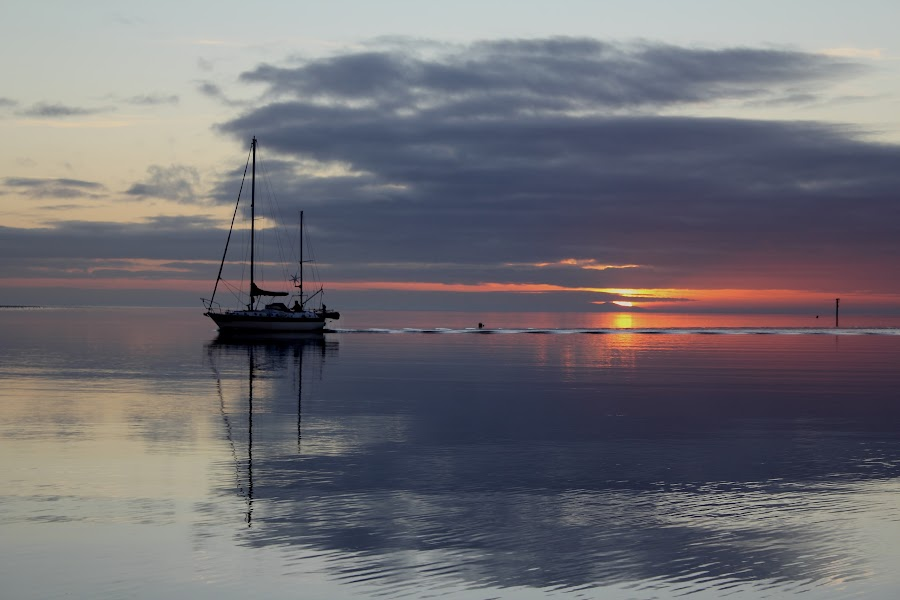 Sailing the Sunset by Ian Cramman - Landscapes Sunsets & Sunrises ( sunset, landscapes )