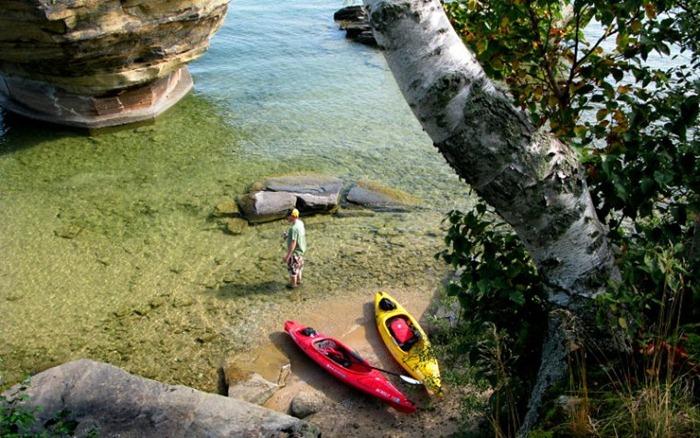 بحيرة هيورون في امريكا lakehuron72.jpg?imgm