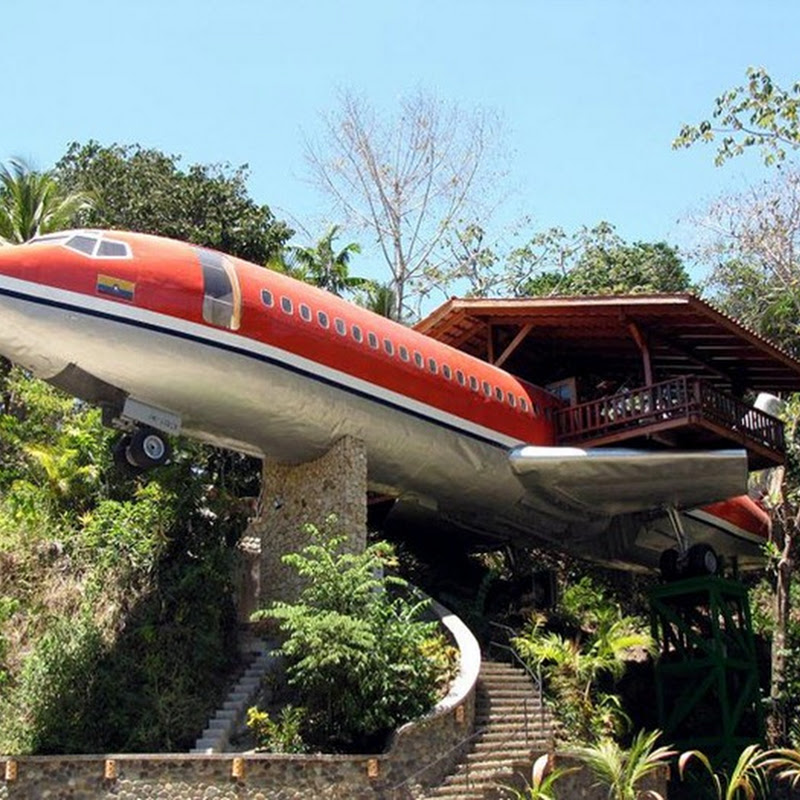Boeing 747 Airplane Hotel in Costa Rica