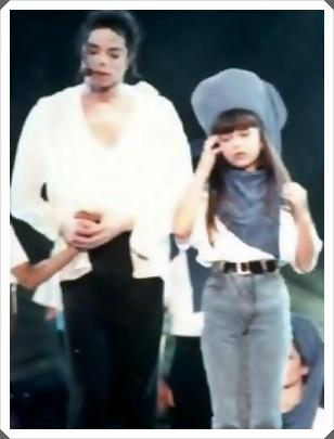 c1506f579f São Paulo - Antes de subir ao palco (em 21/11) para cantar Michael Jackson  (1958 – 2009), Sandy Leah Lima atendeu a imprensa e deu sinais de ansiedade.