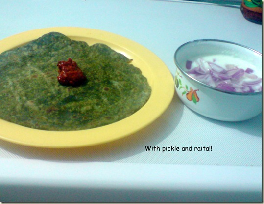 palak chappathi with pickle & raita!!