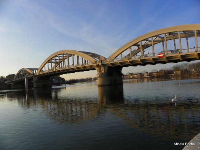 Pont de Neuville sur Saône photo #273