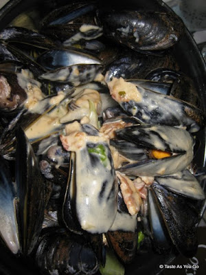 Mussels-Grand-Mere-Petite-Abeille-New-York-NY-tasteasyougo.com