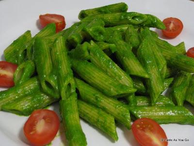 Spinach Pecan Pesto Sauce   Taste As You Go