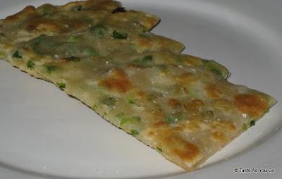 Scallion-Pancakes-tasteasyougo.com
