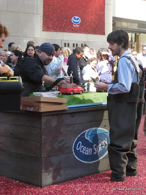 Duff-Goldman-Ocean-Spray-Cake-Rockefeller-Center-tasteasyougo.com