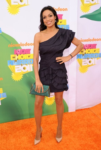 Rosario Dawson arrives at Nickelodeon's 24th Annual Kids' Choice Awards