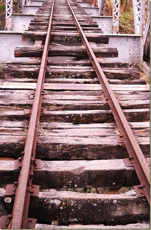 tracks_01