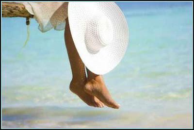 Joe Luigi Poemas.: Sentada à beira mar...