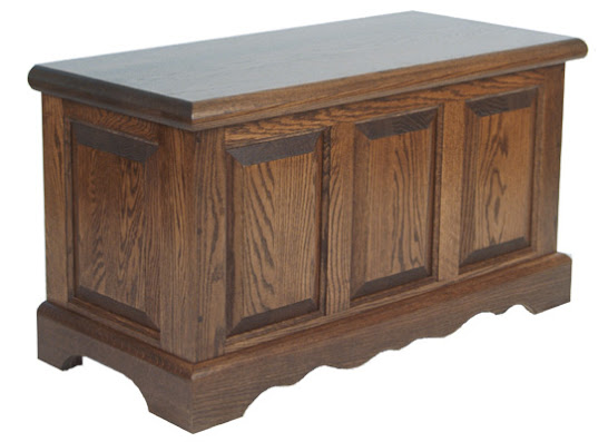 Hope Chest, Oak Hardwood, Mahogany Finish