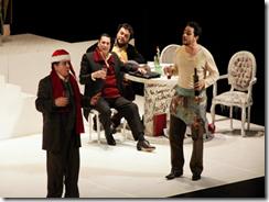 Cultura-Foto de pessoas encenando em um palco