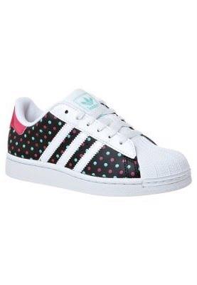 ... scarpa nera da Adidas SUPER STAR! Paint striscia. Cappuccio in gomma.  Sottopiede  Tessile Fodera  Fodera in tessuto. Suola  plastica di alta  qualità 542c162b20e