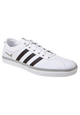 vente chaussure femme homme enfant sport à la vente