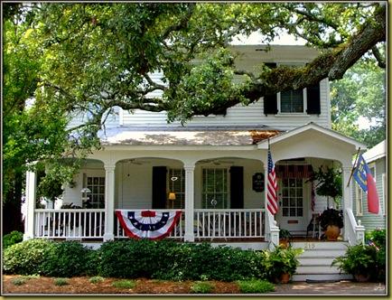 Terrific Southport Nc Living Southport Nc Homes Home Interior And Landscaping Mentranervesignezvosmurscom